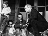 President Lyndon Johnson in Conversation the Tom Fletcher Family of Inez, Kentucky Photographie