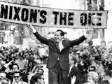 Richard Nixon, Delivering His the 'V' for Victory Sign Photographic Print