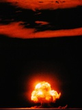 Mushroom Cloud of the Trinity Test, the First Manmade Nuclear Explosion Stampa fotografica