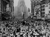 Throng of Eisenhower Supporters Converge on Times Square after His Homecoming Parade, June 19, 1945 Photographic Print