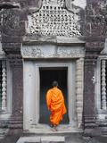 Keren Su - Monk at Angkor Wat, Cambodia - Fotografik Baskı