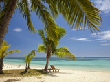 Beach and Lounger, Plantation Island Resort, Malolo Lailai Island, Mamanuca Islands, Fiji Photographie par David Wall