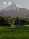 Villarrica Volcano, Villarrica National Park, Chile Lámina fotográfica por Scott T. Smith