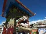 Buddhist Temple with Dragon Figure, Leh, Ladakh, India Photographie par Anthony Asael