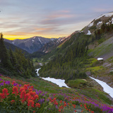 Badger Valley Sunrise, Olympic National Park, Washington, USA Photographie par Gary Luhm