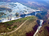 Aerial View of Victoria Falls, Waterfall, and the Zambesi River, Zimbabwe Fotografisk tryk af Miva Stock