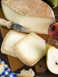 Pecorino Cheese, Tuscany, Italy Papier Photo par Nico Tondini