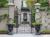 House Entrance, Historic District, Charleston, South Carolina, USA Fotografie-Druck von Rob Tilley