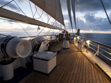 Star Clipper Sailing Cruise Ship, Nevis, West Indies, Caribbean, Central America 写真プリント : セルジオ・ピタミッツ