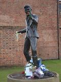 Sculpture of Singer Songwriter Billy Fury, Liverpool, Merseyside, England, United Kingdom, Europe Fotografisk tryk af Wendy Connett