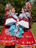 Women Wearing Vlcnov Folk Dress During Ride of Kings Festival, Vlcnov, Zlinsko, Czech Republic Photographie par Richard Nebesky