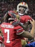 NFL Playoffs 2013: Packers vs 49ers - Colin Kaepernick and Vernon Davis Photographic Print by Tony Avelar