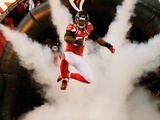 NFL Playoffs 2013: Falcons vs 49ers - Sean Weatherspoon Photographic Print by John Bazemore