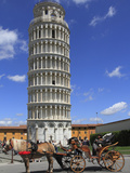 Horse and Carriage by Leaning Tower, UNESCO World Heritage Site, Pisa, Tuscany, Italy, Europe Fotografisk tryk af Rolf Richardson