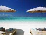 Deck Chairs and Tropical Beach, Maldives, Indian Ocean, Asia Stampa fotografica di Sakis Papadopoulos