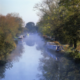 Kennet and Avon Canal in Mist, Great Bedwyn, Wiltshire, England, United Kingdom, Europe Fotodruck von Stuart Black