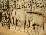 Arjuna's Penance Granite Carvings, Mamallapuram (Mahabalipuram), UNESCO World Heritage Site, India Fotografie-Druck von  Tuul