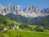 Church, Val di Funes, Bolzano Province, Trentino-Alto Adige/South Tyrol, Italian Dolomites, Italy Fotodruck von Frank Fell