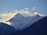 Annapurna Himal Seen from Titi, Annapurna Conservation Area, Dhawalagiri (Dhaulagiri), Nepal Fotografisk tryk af Jochen Schlenker