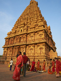 Indian Pilgrims, Bridhadishwara Temple, UNESCO World Heritage Site, Thanjavur (Tanjore), India Photographic Print by  Tuul