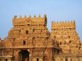 Bridhadishwara Temple, UNESCO World Heritage Site, Thanjavur (Tanjore), Tamil Nadu, India, Asia Photographic Print by  Tuul