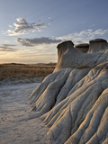 Sunrise in the Badlands, Theodore Roosevelt National Park, North Dakota, USA, North America Photographic Print by James Hager
