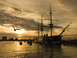 Sunset over the Hard and Hms Warrior, Portsmouth, Hampshire, England, United Kingdom, Europe Lámina fotográfica por Stuart Black