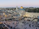Jewish Quarter of Western Wall Plaza, Old City, UNESCO World Heritage Site, Jerusalem, Israel Fotodruck von Gavin Hellier