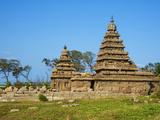 The Shore Temple, Mamallapuram (Mahabalipuram), UNESCO World Heritage Site, Tamil Nadu, India, Asia Photographic Print by  Tuul