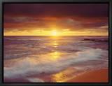 Auringonlasku Tyynenmeren rantakalliolla, San Diego, Kalifornia, USA Kehystetty canvastaulu tekijänä Christopher Talbot Frank