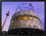 Universal Clock, Alexanderplatz, Berlin, Germany Innrammet lerretstrykk av Walter Bibikow