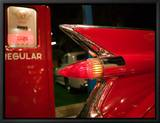 1959 Red Cadillac, Elvis Presley Automobile Collection Museum, Memphis, Tennessee, USA Inramat kanvastryck av Walter Bibikow