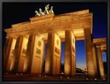 Brandeburg Gate at Dusk, Berlin, Germany Innrammet lerretstrykk av Richard Nebesky