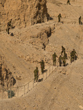 Army Soldiers Moving Up on Steps at an Ancient Site, Masada, Israel Fotografie-Druck