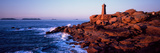 Lighthouse on the Coast, Ploumanach Lighthouse, Cote De Granit Rose, Cotes-D'Armor, Brittany, Fr... Lámina fotográfica por Panoramic Images,