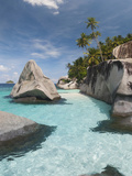 Rock Formations on the Coast, Pulau Dayang Beach, Malaysia Fotografisk tryk af Green Light Collection