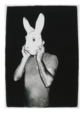 Man With Rabbit Mask, C. 1979 Gicleetryck av Andy Warhol