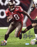 Warrick Dunn Bucs Run vs Rams Photo