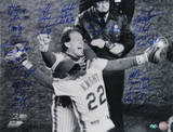 NY Mets 1986 Team Signed Knight Hugging Carter Photo