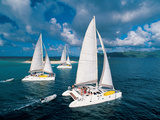 Mauricio Handler - Three Catamaran Sailboats in Sandy Cay, Tortola Fotografická reprodukce