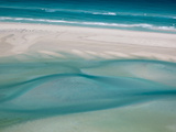 White Sand Beaches Stretch for Miles at Detwah Lagoon Photographie par Michael Melford