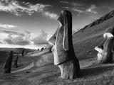 A Path Winds Past Moai Spread across Rolling Hills Papier Photo par Jim Richardson