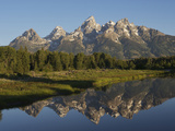 Reflections of the Teton Range in the Water at Schwabacher Landing Impresso fotogrfica por Bob Smith