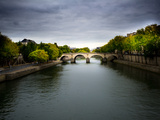A Bridge over the Seine River Photographie par Jorge Fajl