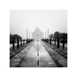 Taj Mahal - A Tribute to Beauty Giclee Print by Nina Papiorek