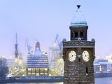 Cruise Ship Queen Victoria in Hamburg Photographic Print by Christian Ohde