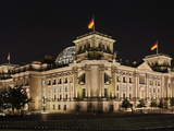 Night Photograph of the German Reichstag Photographic Print by Daniel Hohlfeld