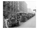 Automobiles at Second Avenue and Cherry Street, Seattle, 1909 Lámina giclée por Ashael Curtis