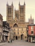 Castle Square, Lincoln Cathedral, Lincoln, Lincolnshire, England, UK Fotografie-Druck von Ivan Vdovin