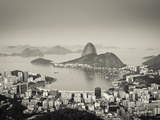 Brazil, Rio De Janeiro, Sugar Loaf (Pao De Acucar) and Morro De Urca in Botafogo Bay Fotografiskt tryck av Alex Robinson